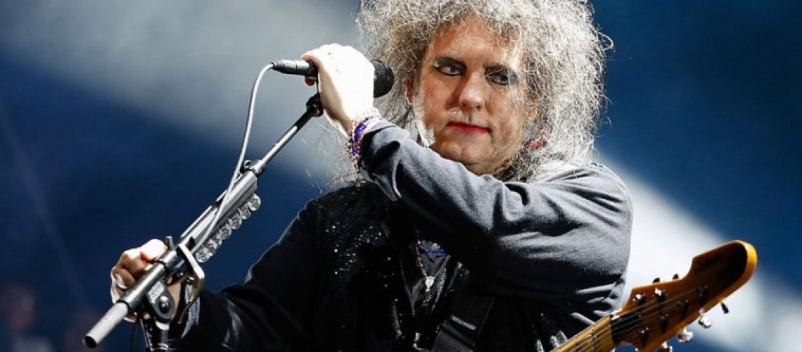 Robert-Smith-confirms-that-a-new-album-from-The-Cure-is-on-the-way